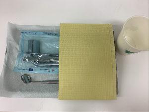 グローブ、コップ、エプロンなど患者様ごとに使い捨ての物を使用しています。